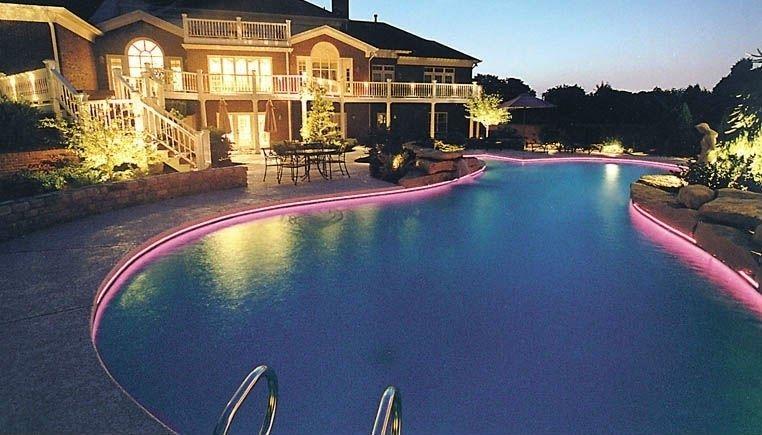 Borda de piscina com fibra ótica