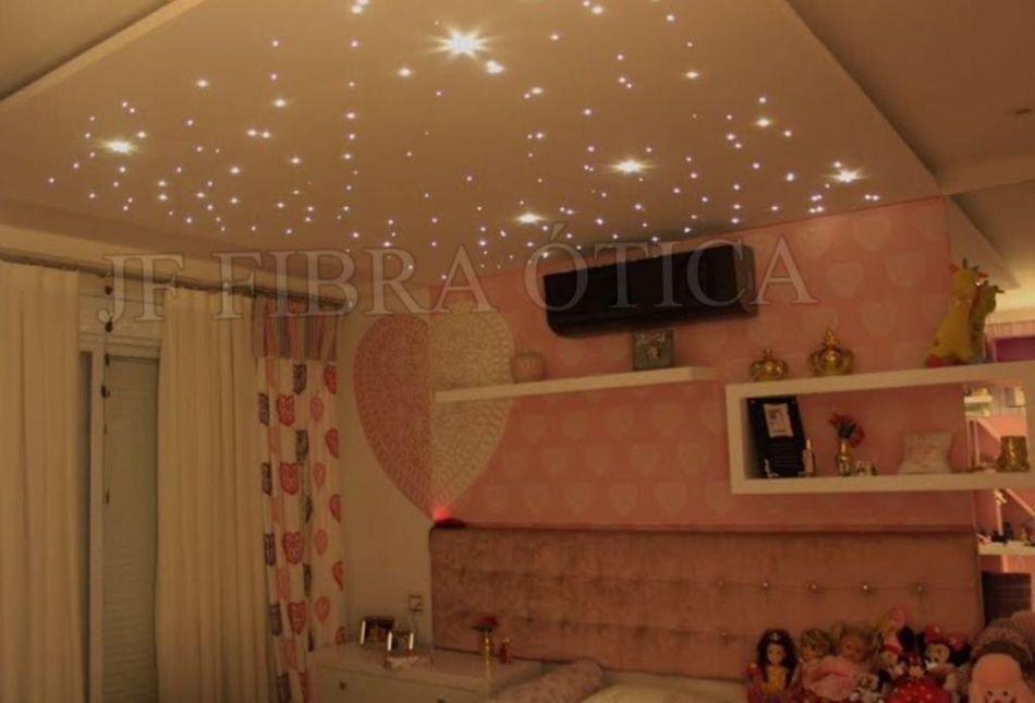 Céu estrelado dormitório infantil